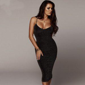 Vestido elegante brillante sensual y largo