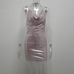 Vestido metálico corto