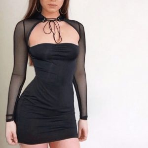 Vestido con transparencias de manga larga